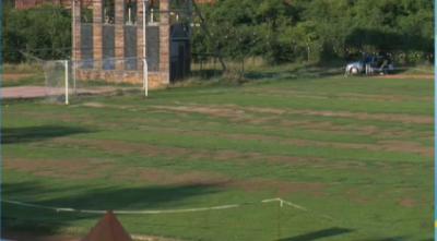 Вандали унищожиха с пестициди тревата на стадион Раковски