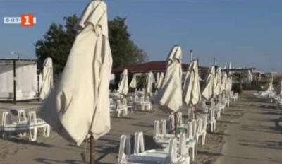 Проверка по плажовете в Бургас показа спазване на мерките срещу коронавирус и спад на оборотите