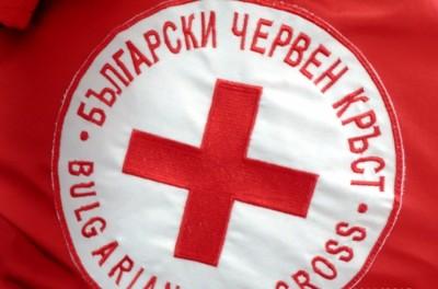 Доброволци от БЧК във Варна помагат в борбата срещу COVID-19
