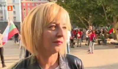 Мая Манолова: Хората няма да се приберат до оставката на Борисов