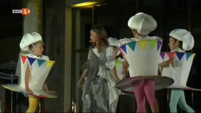 Бисерка Колевска и Бон-бон за премиерата на детския мюзикъл Пепеляшка