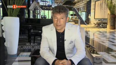 Футболната легенда Краси Балъков в ролята на благодетел пред камерата на БНТ