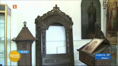Русенски преподавател и ученици реставрираха 80-годишни иконостаси