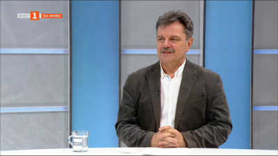 Доц. Александър Симидчиев: Научихме се по-ефективно да лекуваме пациенти с коронавирус