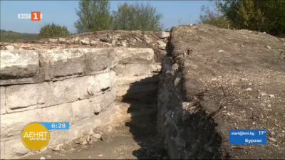 Археолози разкриха откриха уникална римска крепост край село Широково