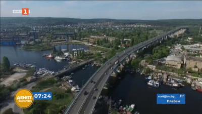 Част от мантинелите на Аспаруховия мост във Варна са деформирани