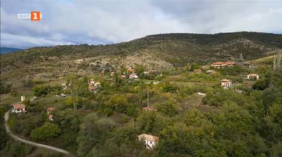 Под едно небе: възстановените православни храмове в село Влахи