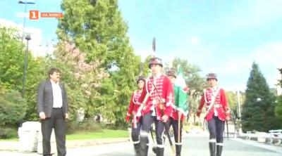 Ученици - гвардейци във Велико Търново