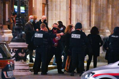 Миа Сантова: Все още се издирва се поне един от нападателите
