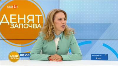 Министър Николова: Запазили сме над 30 000 работни места в туризма