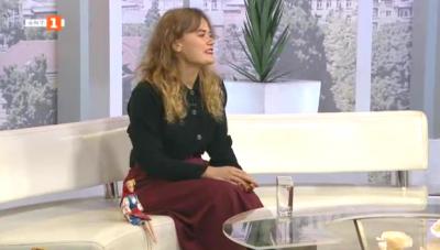 Диана Петрова популяризира родната носия и природа