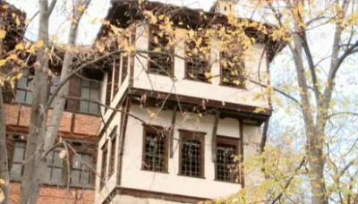 Пангаловата къща в Смолян се руши