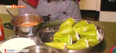 Учители от Сопот приготвят топла храна за лекарите от първата линия