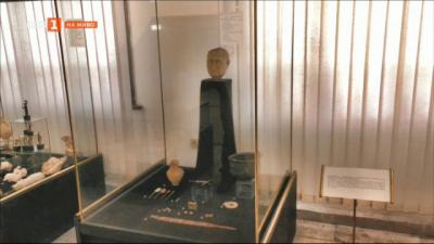 Древен хирургичен инструмент в музея в Търговище
