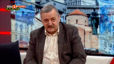 Проф. Тодор Кантарджиев: Подготвя се обществото да бъде антиваксинално настроено