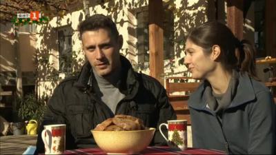 Как двама красиви млади българи сменят модния подиум с оранжерия за зеленчуци