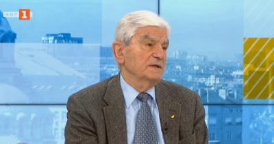 Акад. Петрунов: Само масовата имунизация може да предотврати епидемията