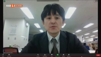 Вирусът, Япония и стратегията сан мицу