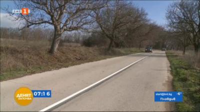 Абсурд на пътя: Криволичеща пътна маркировка между провадийските села Добрина и Манастир