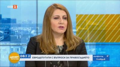 Министър Ахладова: Промени в Изборния кодекс два месеца преди изборите е неудачен вариант