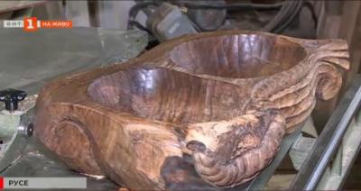 В името на занаята: урок по дърворезба