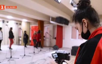 Видеокартичка за 3-ти март от ученици в Добрич