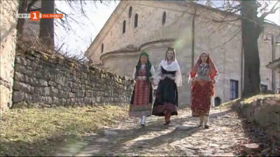 Колекционер на автентични народни носии