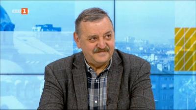 Проф. Тодор Кантарджиев: Тромбозите стават само при първа игла на ваксината