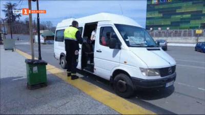 Проверка на междуградските автобуси във Варна