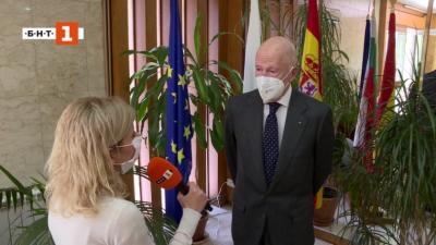 Ексклузивно: Симеон Сакскобургготски пред БНТ, след като гласува в Мадрид