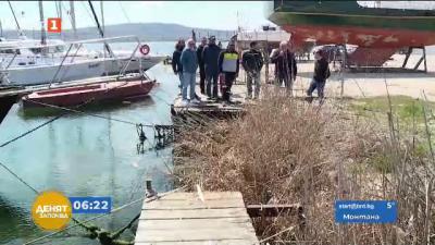 Разрушиха мост, използван като кей за спортно-състезателни лодки