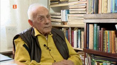 Найден Вълчев, автор на текста на песента Едва българска роза