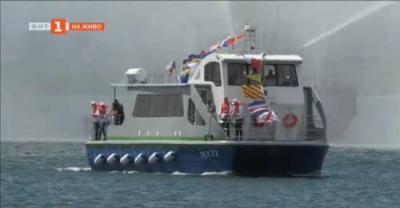 Първият български Екотамаран с хибридни двигатели в Бургарски залив