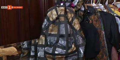 Варненска дизайнерка създаде модна колекция, вдъхновена от найлонови торбички