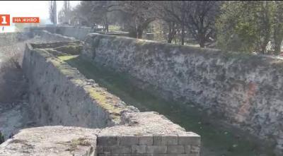 Впечатляващата история на стената във Видин