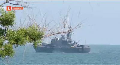 Продължава издирването на пилота на военния самолет, паднал в морето край Шабла