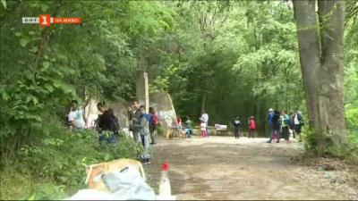 Деца и родители опознаха бита на пещерните хора