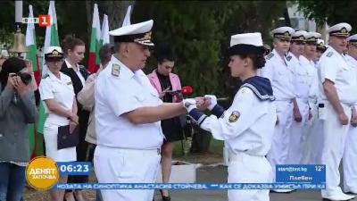 Курсанти поеха за един ден управлението на Висшето военноморско училище във Варна