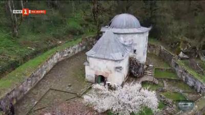 Демир Баба Теке - гробница, посещавана от хора с различни вероизповедания