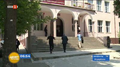 Националната хуманитарна гимназия в Благоевград се бори да си върне дарен имот