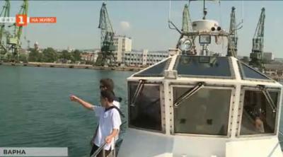 Деца учат какво е да си моряк