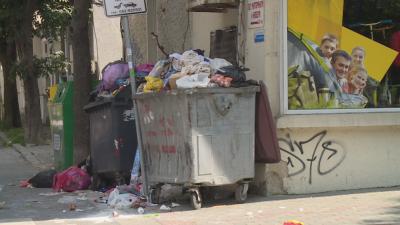 Контейнерите за боклук във Варна преливат