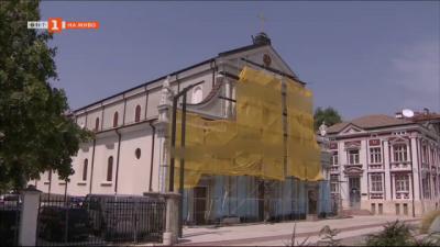 По зрителски сигнал: Самоинициативен ремонт на катедрала - паметник на културата
