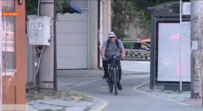 Абсурдни велоалеи затрудняват движението по улици и тротоари във Варна