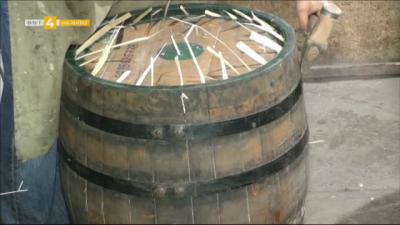 Как се изработват традиционните съдове за вино и ракия?