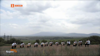 """Младежкият китарен оркестър """"София"""" гостува в """"100% будни"""""""