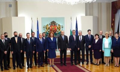 Президентът обяви състава на новия служебен кабинет (пълен запис)