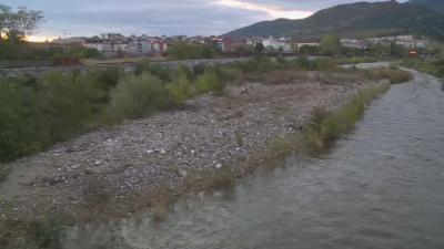 Затлачено корито на река Чая притеснява жителите на Асеновград