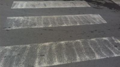 Изтрити пешеходни пътеки създават потенциална опасност за инциденти на пътя