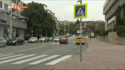 Жители сигнализират за потънали в мрак пешеходни пътеки